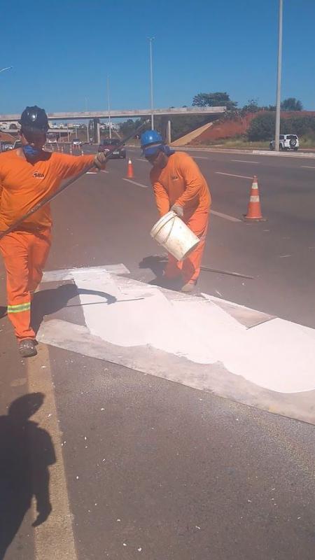 Empresas de sinalização de rodovias
