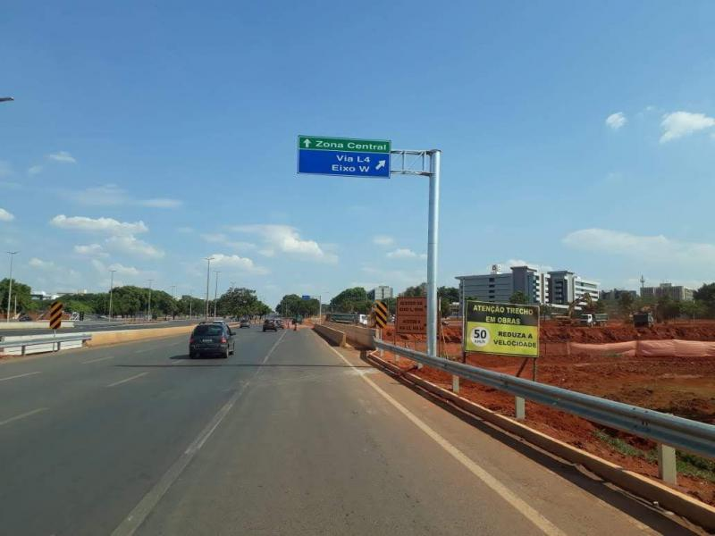 Indústria de placas de sinalização de trânsito