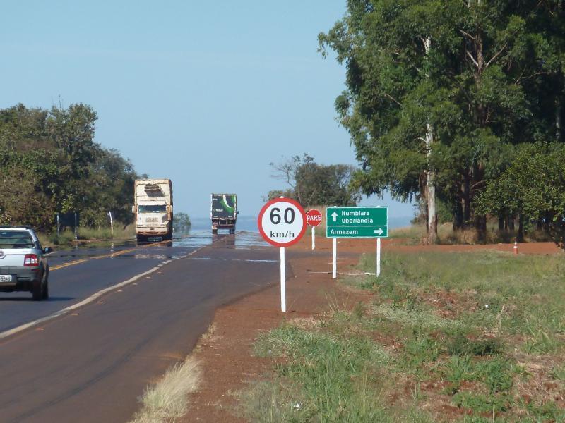 Placas de rodovias